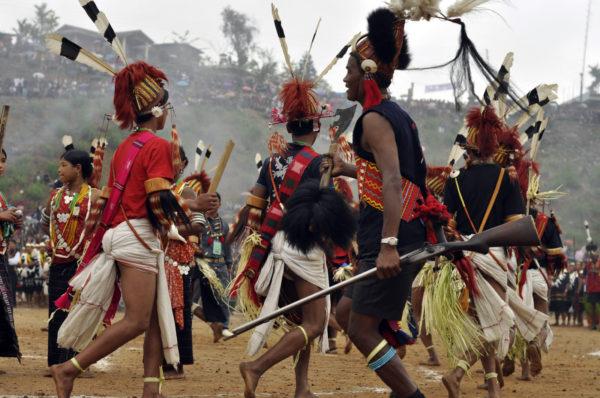Nágsky tanečníci na Aoelingu - najväčšej slávností Nágov v SV Indii, ktorá prebieha v apríli._resize