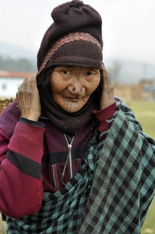 Štuple v nose v údolí Ziro v SV Indii majú už iba najstaršie ženy._resize